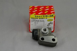 Wheel Cylinder, Right Front 64-70 Type 2 Brazilian